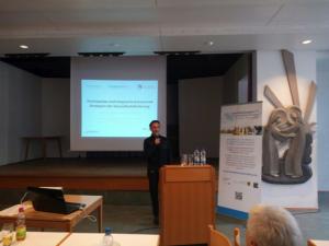 Prof. Dr. Wright bei einem Vortrag